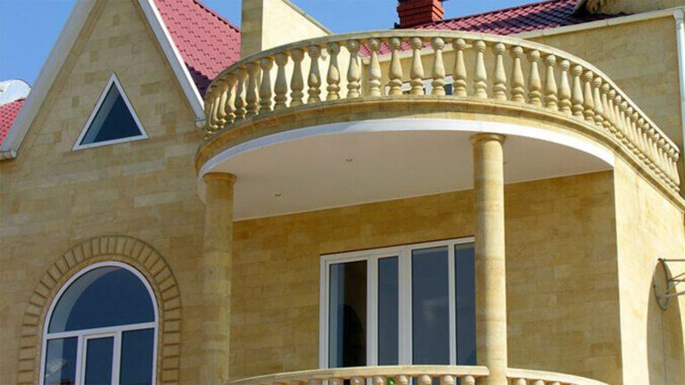 балясины и фасад из ракушечника