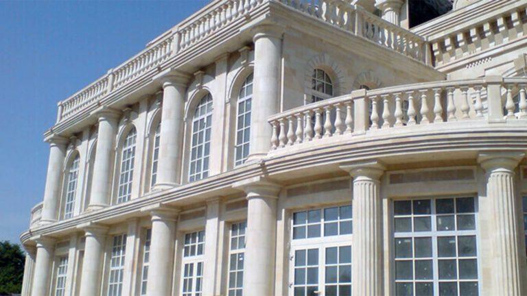 Фасад дома из дагестанского камня